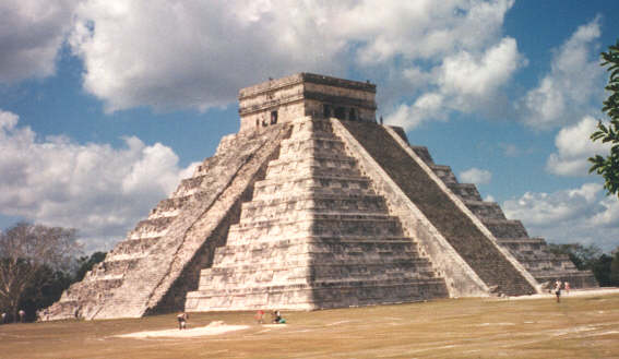 Chichen Itza: Temple of Kulculkan (c) Barbara Taylor 1997